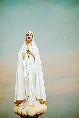 Virgin Mary Statue - p1248m1439855 by miguel sobreira