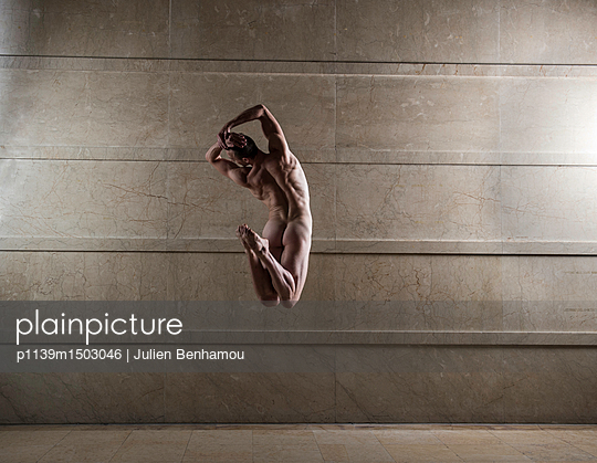 Naked man takes a leap - p1139m1503046 by Julien Benhamou
