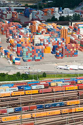 Containerterminal at the Hamburg Harbour - p1079m890672 by Ulrich Mertens