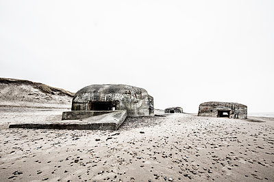 Bunker - p710m2054475 von JH