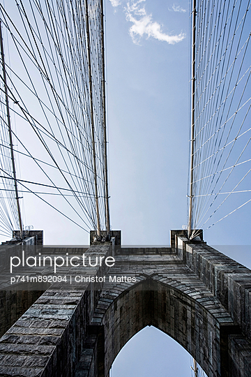 Brooklyn Bridge - p741m892094 von Christof Mattes