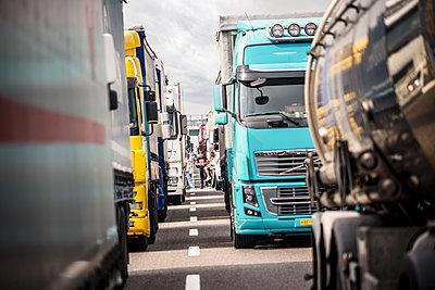Germany, Traffic jam on the highway - p1275m2224699 by cgimanufaktur