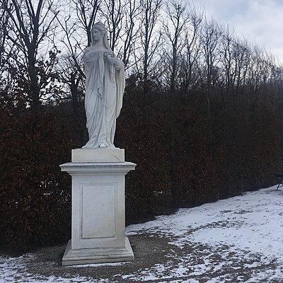 Österreich, Wien, Statue im Schlosspark Schönbrunn - p1401m2233717 von Jens Goldbeck