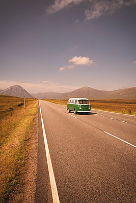 Vintage VW Volkswagen bus green road trip highway - p609m1192646 by OSKARQ