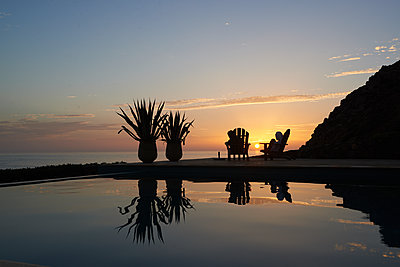 Sunset by the sea - p961m1591009 by Mario Monaco