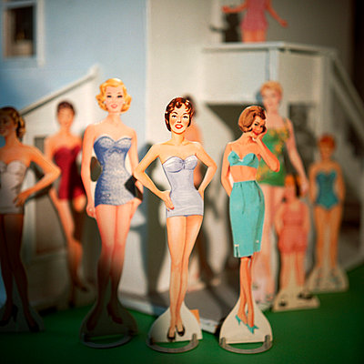 Female Paper Dolls in Lingerie - p694m720413 by Circa Images