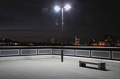 View from Greenwich Embankment overlooking Canary Wharf (iii) - p1072m829435 by Neville Mountford-Hoare
