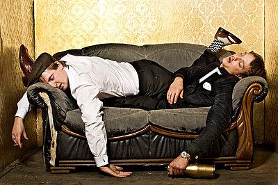 Zusammen auf dem Sofa chillen - p6710045 von Thomas Marek