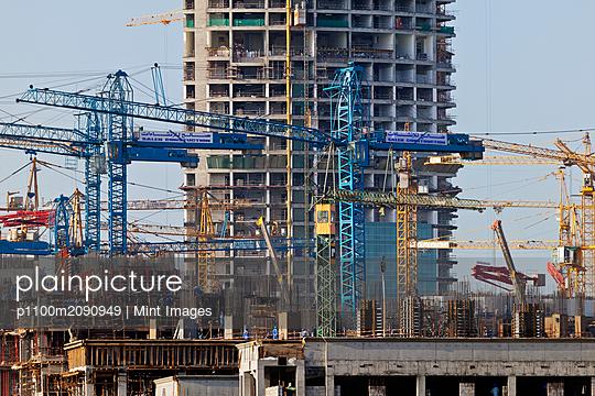 Construction Site - p1100m2090949 by Mint Images