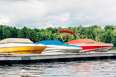 Motor boats - p1065m982624 by KNSY Bande