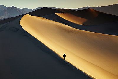 Mesquite Dunes, Stovepipe Wells, Death Valley National Park, California, USA - p651m2007126 by Tom Mackie