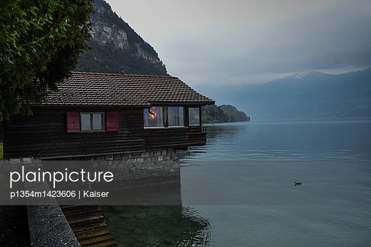 Haus am See - p1354m1423606 von Kaiser