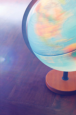 Welt in Bewegung - p464m1355399 von Elektrons 08