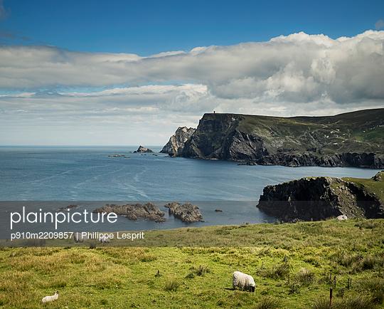 Ireland, Malin Beg - p910m2209857 by Philippe Lesprit