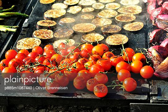 Aubergine - p885m1087440 by Oliver Brenneisen