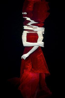 Underwater dancer - p1554m2158711 by Tina Gutierrez