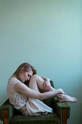Sad woman - p427m2093151 by Ralf Mohr