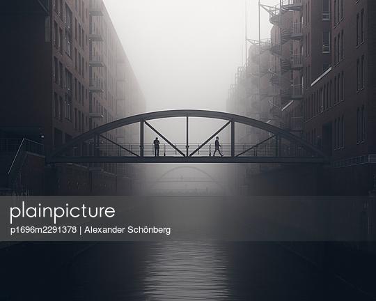 Morning in the Speicherstadt - p1696m2291378 by Alexander Schönberg