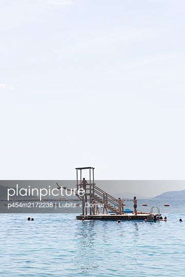 Diving platform  - p454m2172238 by Lubitz + Dorner