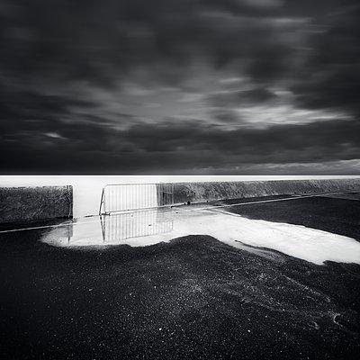 Spooky sea - p1137m2296697 by Yann Grancher