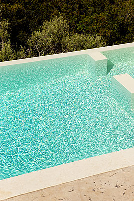 Infinity Pool - p637m2288192 by Florian Stern