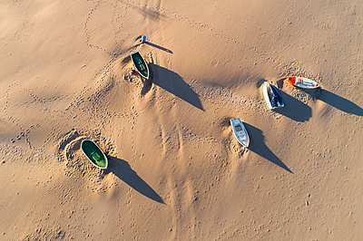 Boats on Valencia beach from above - p1332m1539642 by Tamboly