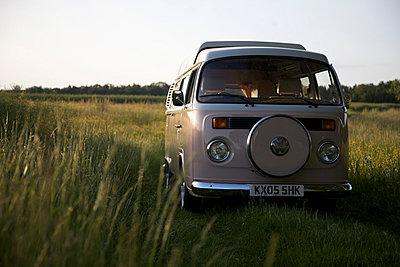 Urlaub im VW-Bus - p1980145 von David Breun