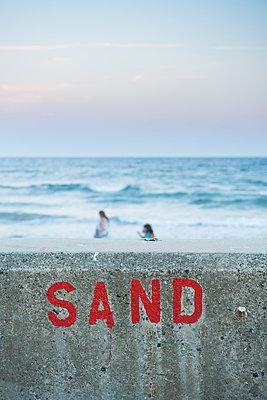 Sand - p954m1171325 von Heidi Mayer