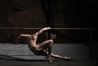 Naked male dancer - p1139m1503058 by Julien Benhamou