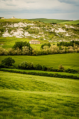 A farm in Tuscany - p968m987207 by roberto pastrovicchio