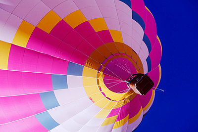 Hot Air Balloon - p555m1453544 by Spaces Images