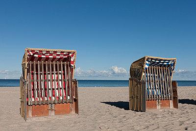 Strandkorb - p7980067 von Florian Loebermann