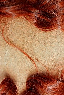 Unechte Haare, unechte Haut - p450m916511 von Hanka Steidle