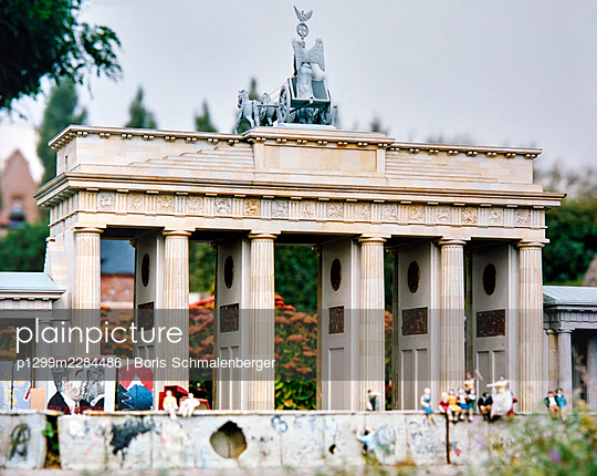 Mini Europe, open-air museum, replica, Brandenburger Tor - p1299m2284486 by Boris Schmalenberger