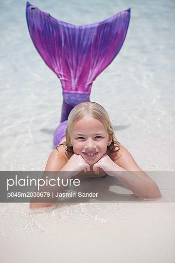 Glückliche kleine Meerjungfrau - p045m2038679 von Jasmin Sander