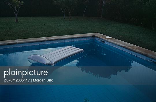 Lilo - p378m2085417 by Morgan Silk