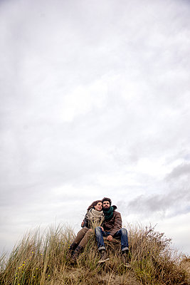 Paar auf einer Düne - p1212m1185644 von harry + lidy