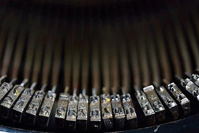 Schreibmaschine - p829m715920 von Régis Domergue