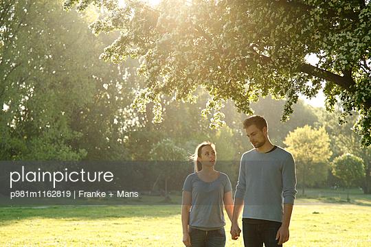 Zeit für einander - p981m1162819 von Franke + Mans