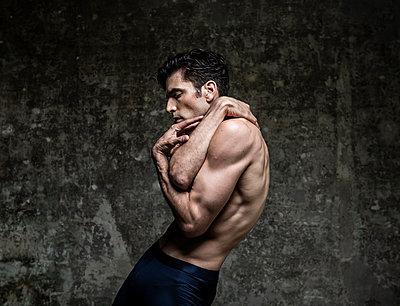 Ballet dancer - p1139m2211128 by Julien Benhamou