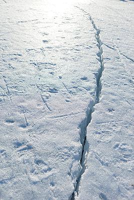 Riss im Eis - p4350145 von Stefanie Grewel