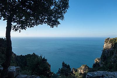 früher Morgen an der Amalfiküste - p1079m1552880 von Ulrich Mertens