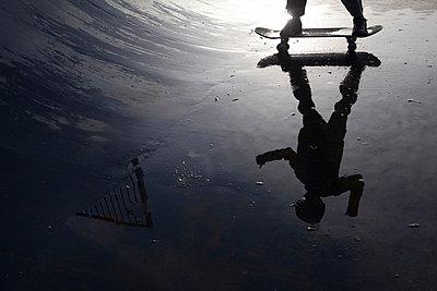 Skateboarden - p1057m855203 von Stephen Shepherd