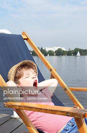 Ausruhen - p045m696830 von Jasmin Sander