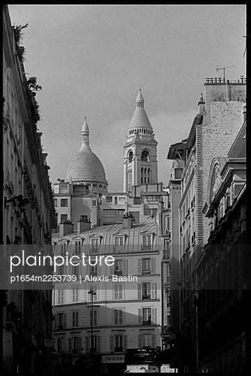 Paris, Montmartre District - p1654m2253739 by Alexis Bastin