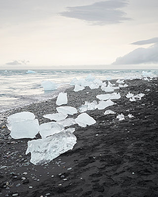 Glacier lagoon - p1124m1060323 by Willing-Holtz