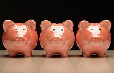 Three Pottery Pigs - p44210629f by Darren Greenwood