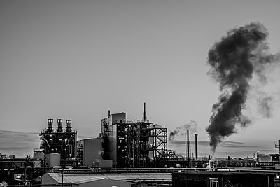 Chemical industrial plant - p401m2228429 by Frank Baquet