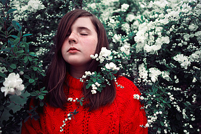 Flowers - p1507m2027734 by Emma Grann