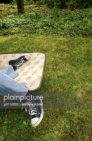 Frau auf Liegestuhl - p3110003 von Barbara Ködel